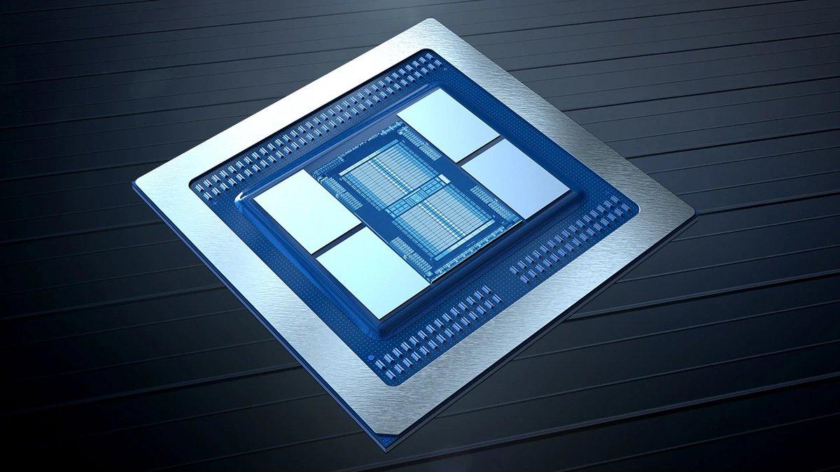 AMD-Instinct-MI100-GPU © © AMD