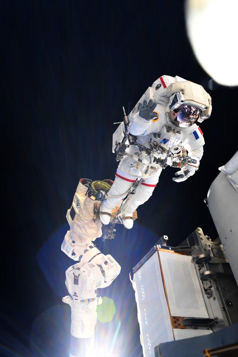 Thomas Pesquet EVA ISS panneaux solaires 1 © ESA/Thomas Pesquet