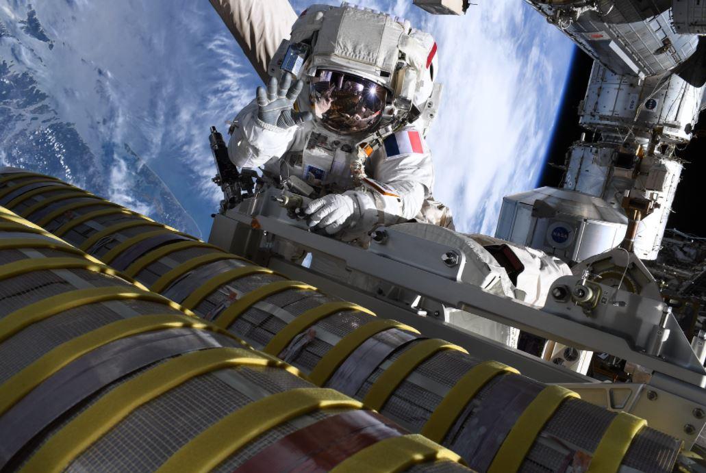 Thomas Pesquet EVA ISS panneaux solaires 5 © ESA/Thomas Pesquet
