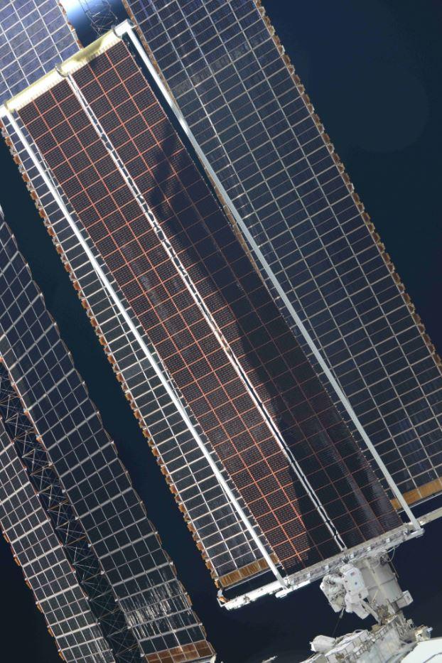 Thomas Pesquet EVA ISS panneaux solaires 6 © Roscosmos/Oleg Novitsky