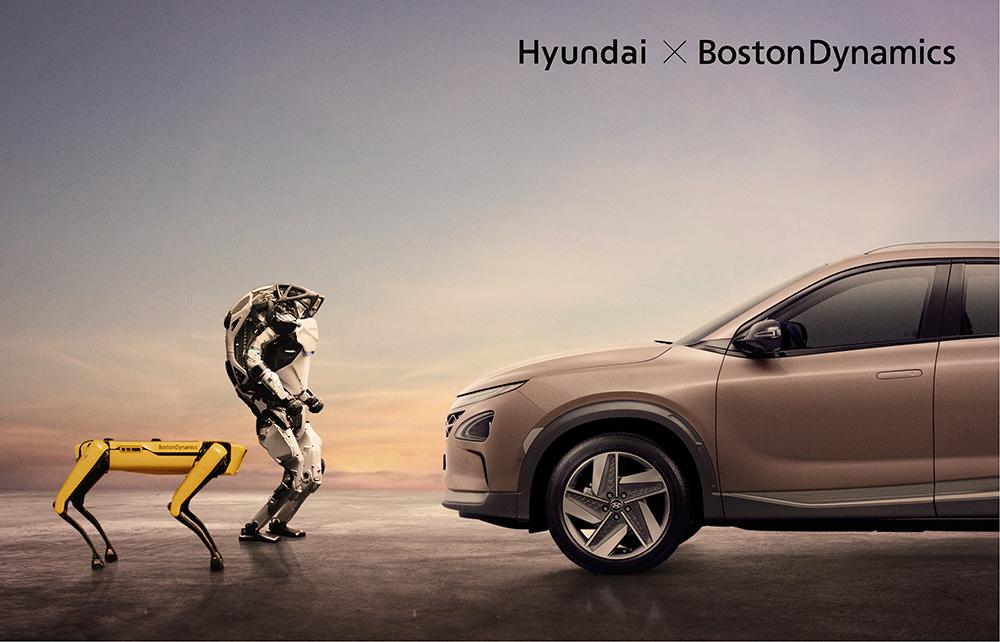 Spot & Atlas font face à une voiture Hyundai