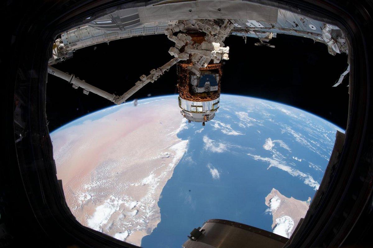 HTV cargo JAXA ISS batteries © NASA