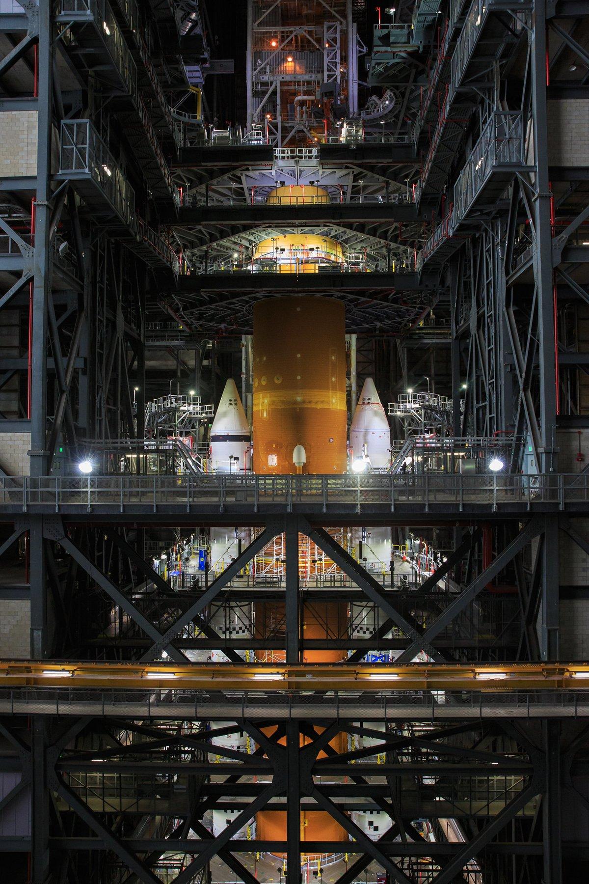 SLS assemblage Artemis 1 © NASA/Kim Shiflett
