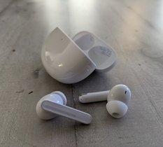 Test Oppo Enco Free 2 : des écouteurs sans grande originalité, mais très complets