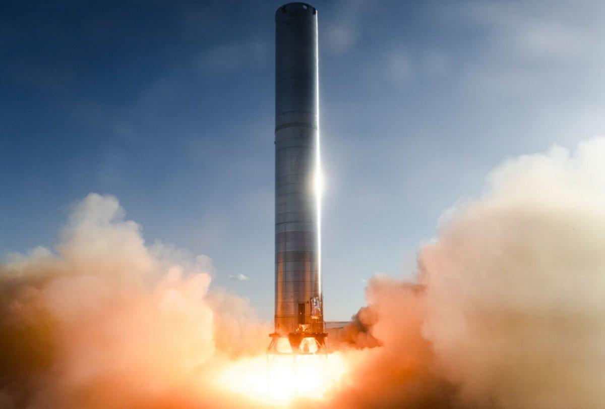Starship SuperHeavy booster CN3 essai moteur © SpaceX