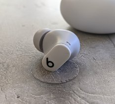 Test Beats Studio Buds : des écouteurs confortables en mode semi-Apple