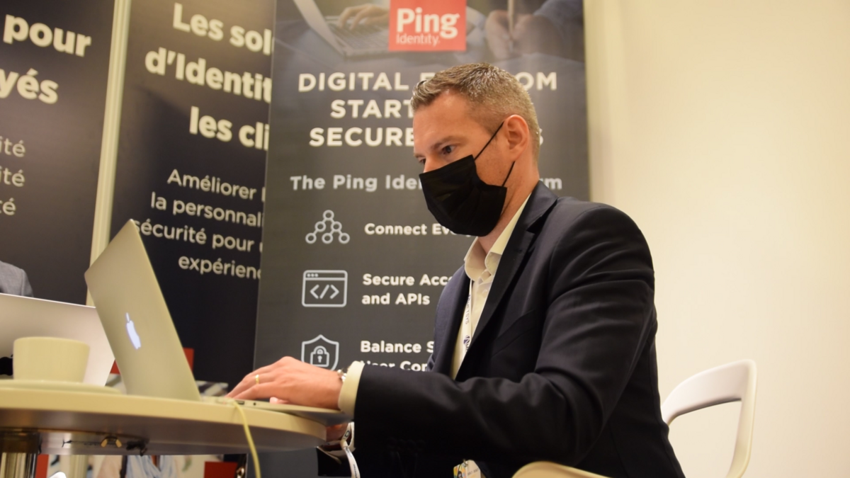 Cyril Patou sur le stand Ping Identity © Alexandre Boero pour Clubic