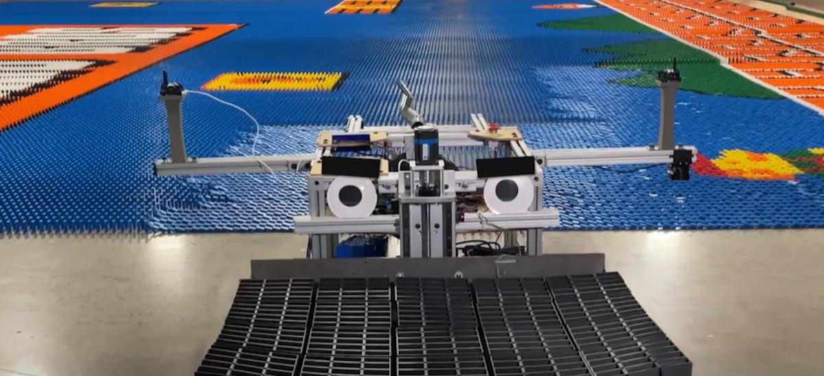 Dominator dominos record du monde © Mark Rober