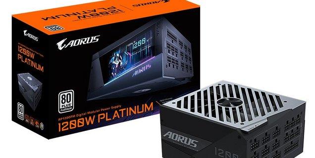 AORUS P1200W : Gigabyte distribue une alimentation dotée d'un large écran LCD