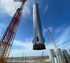 Au Texas, SpaceX prépare le prototype SuperHeavy et ses 29 moteurs Raptor pour leur premier vol
