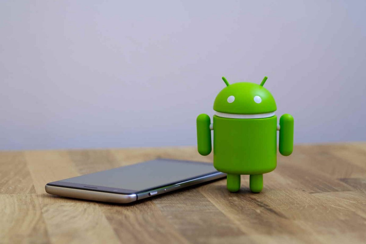 Android © quietbits / Shutterstock.com