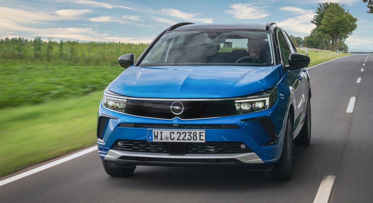 Opel Grandland hybrid4 (2021) © Opel