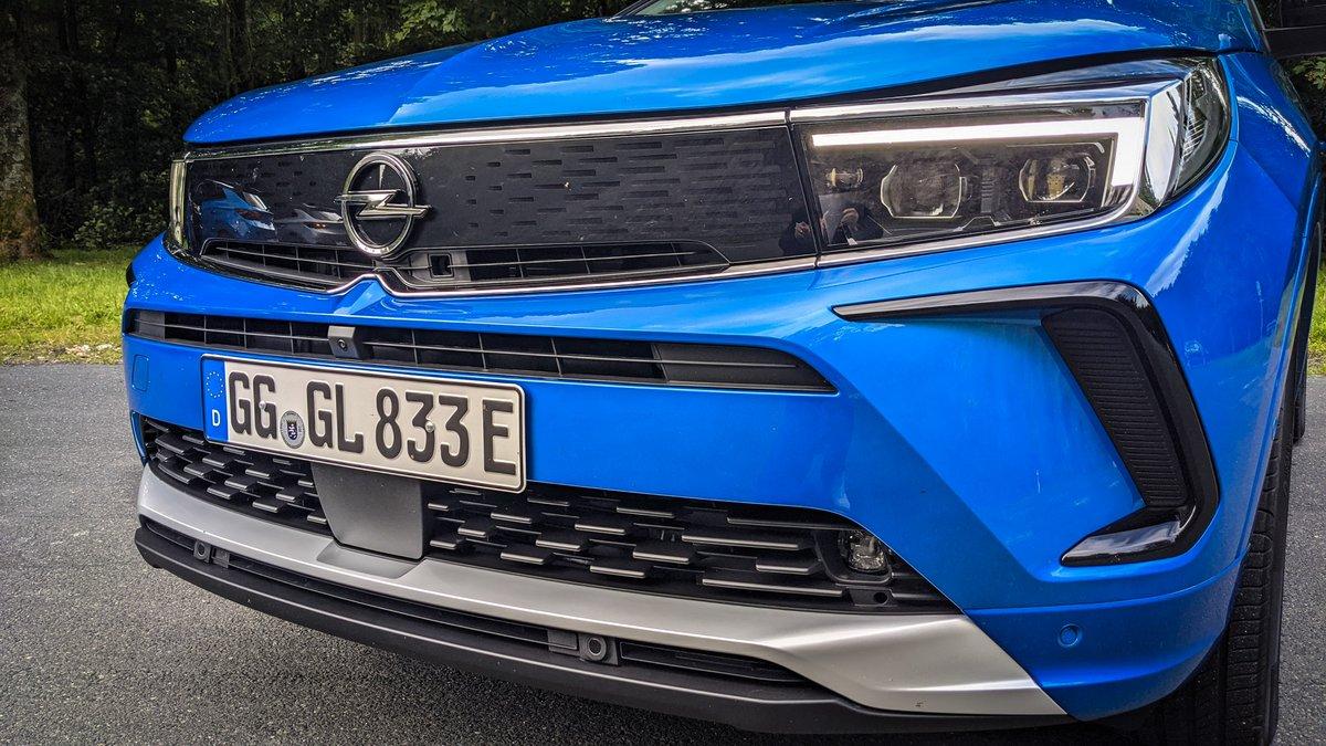 Opel Grandland hybrid4 (2021) © David Nogueira