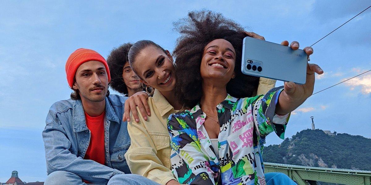 OPPO Reno6 Pro 5G selfie © OPPO