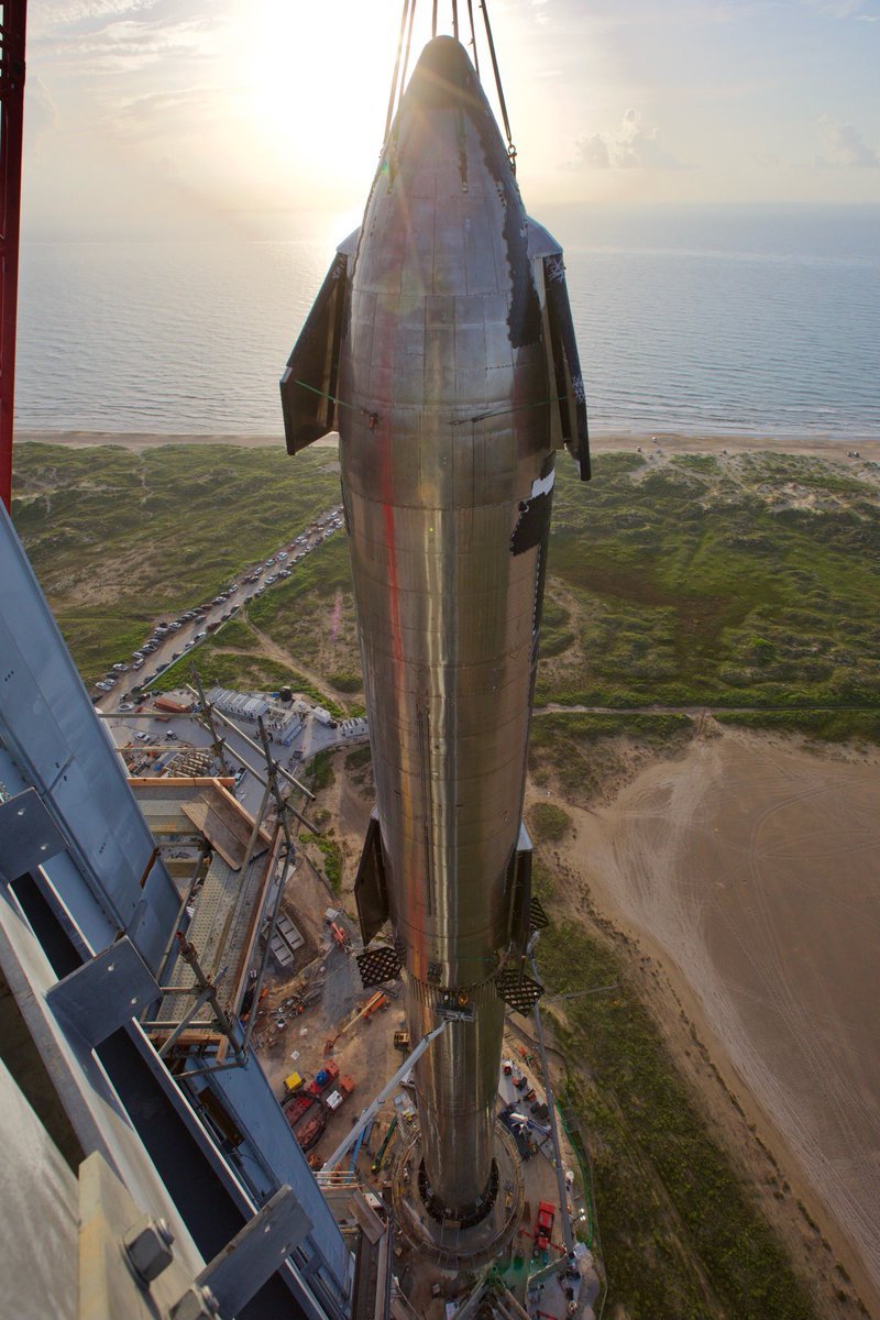 Starship Superheavy lanceur complet 6 aout 2021 © SpaceX/Elon Musk