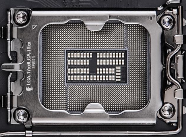Intel LGA1700-LGA1800 © WCCFTech
