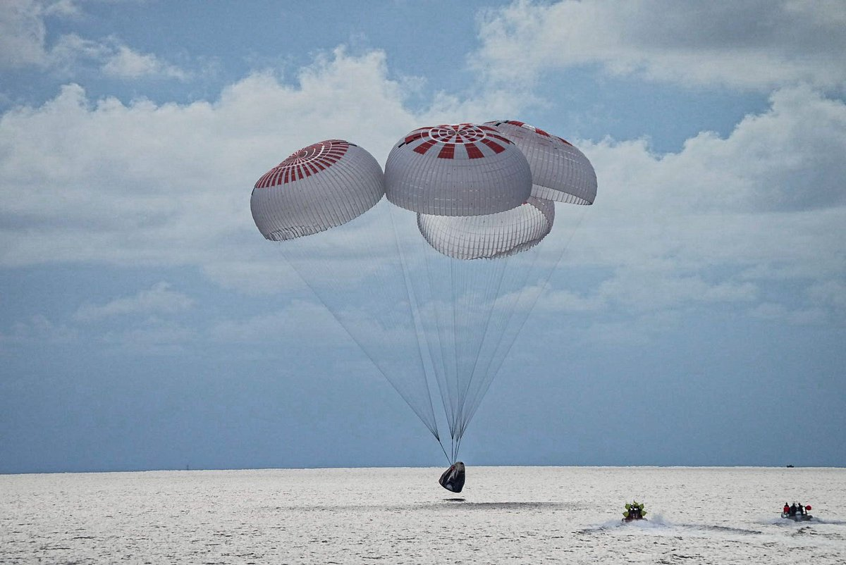 Inspiration4 amerrissage Resilience © SpaceX