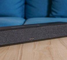 Test Denon Home 550 : la mini barre de son Dolby Atmos et DTS:X se la joue enceinte connectée