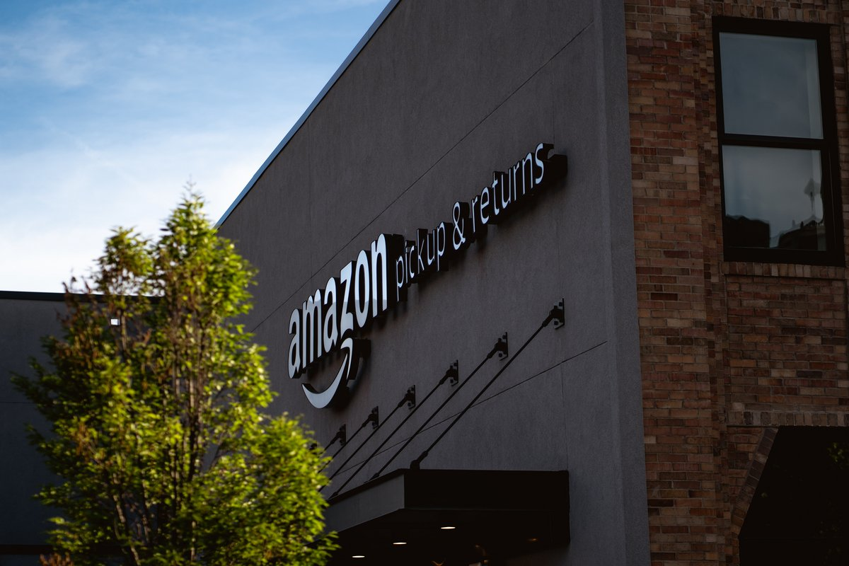 Entrepôt Amazon © © Bryan Angelo / Unsplash