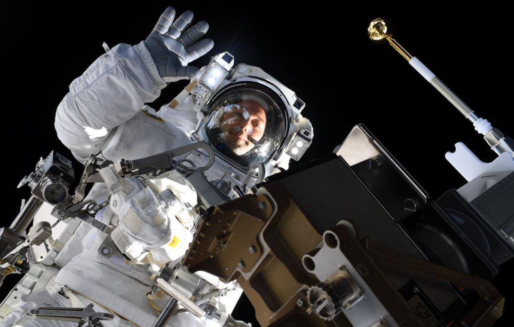 ISS thomas pesquet coucou © ESA/Thomas Pesquet