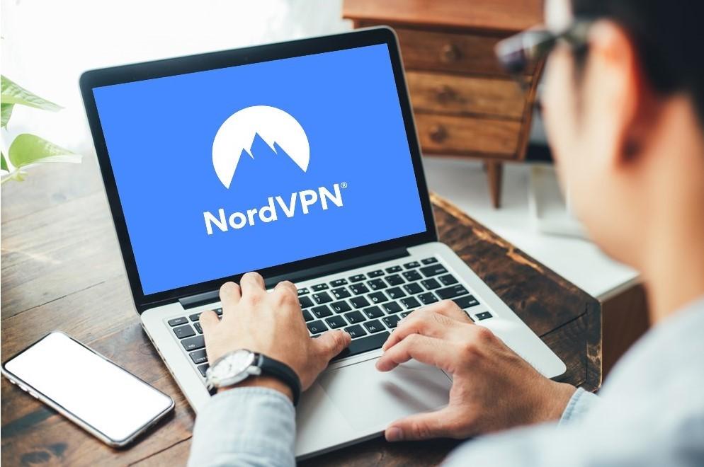 man using nordvpn