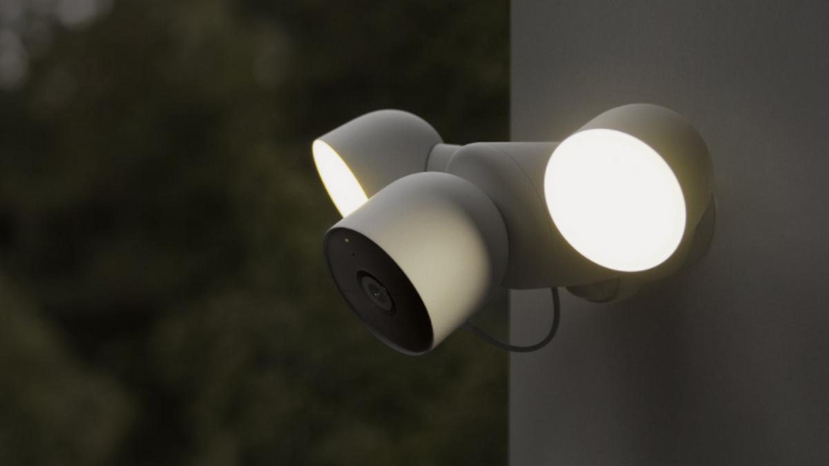 Nest Cam avec projecteur (filaire) © Google