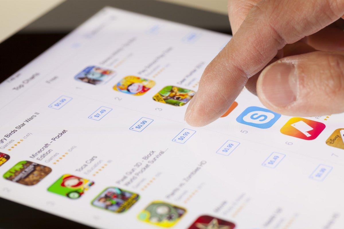 iPad App Store © ymgerman / Shutterstock.com