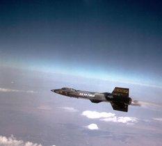 Avec le X-15, l'avion fusée entre dans l'aventure spatiale