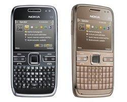 E72 - NoirMonobloc 2G (GPRS) Edge avec flash compatible MP3 smartphone 3G 128 g avec autofocus MicroSD avec GPS Bluetooth 2.x avec WiFi 3G++ 2,4 pouces 250 Mo 12h30 570h